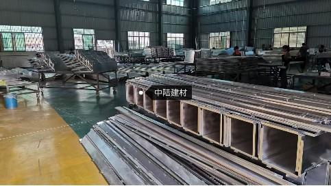 铝单板厂家在旧城改造铝单板产品中占重要地位
