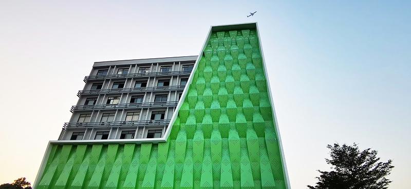 绿色冲孔铝单板