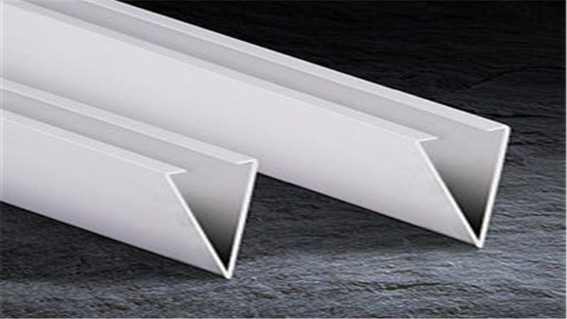 V形铝方通