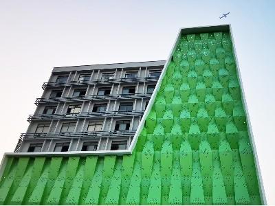 绿色幕墙冲孔铝单板